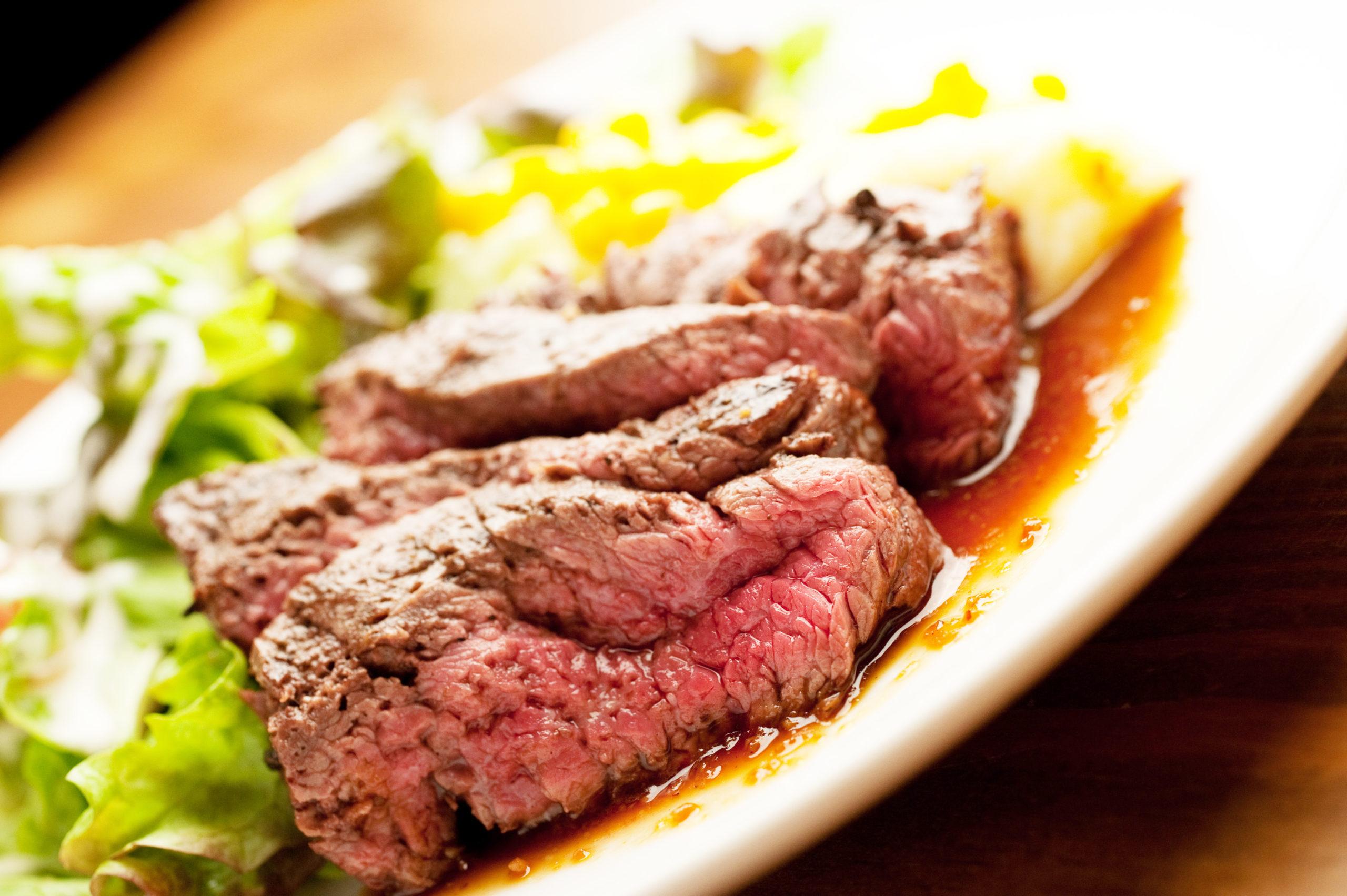 持って帰っても美味しいステーキのテイクアウトメニュー